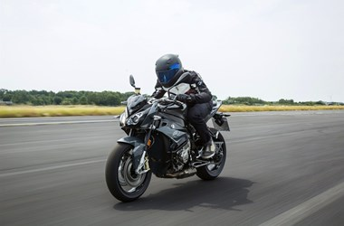 /rental-motorcycle-bmw-s-1000-r-15997