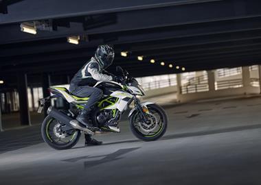 Leihmotorrad Kawasaki Z125