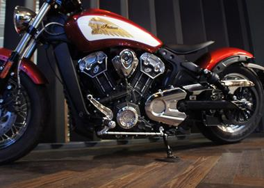 Leihmotorrad Indian Scout Bobber