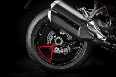 Leihmotorrad Ducati Monster 1200