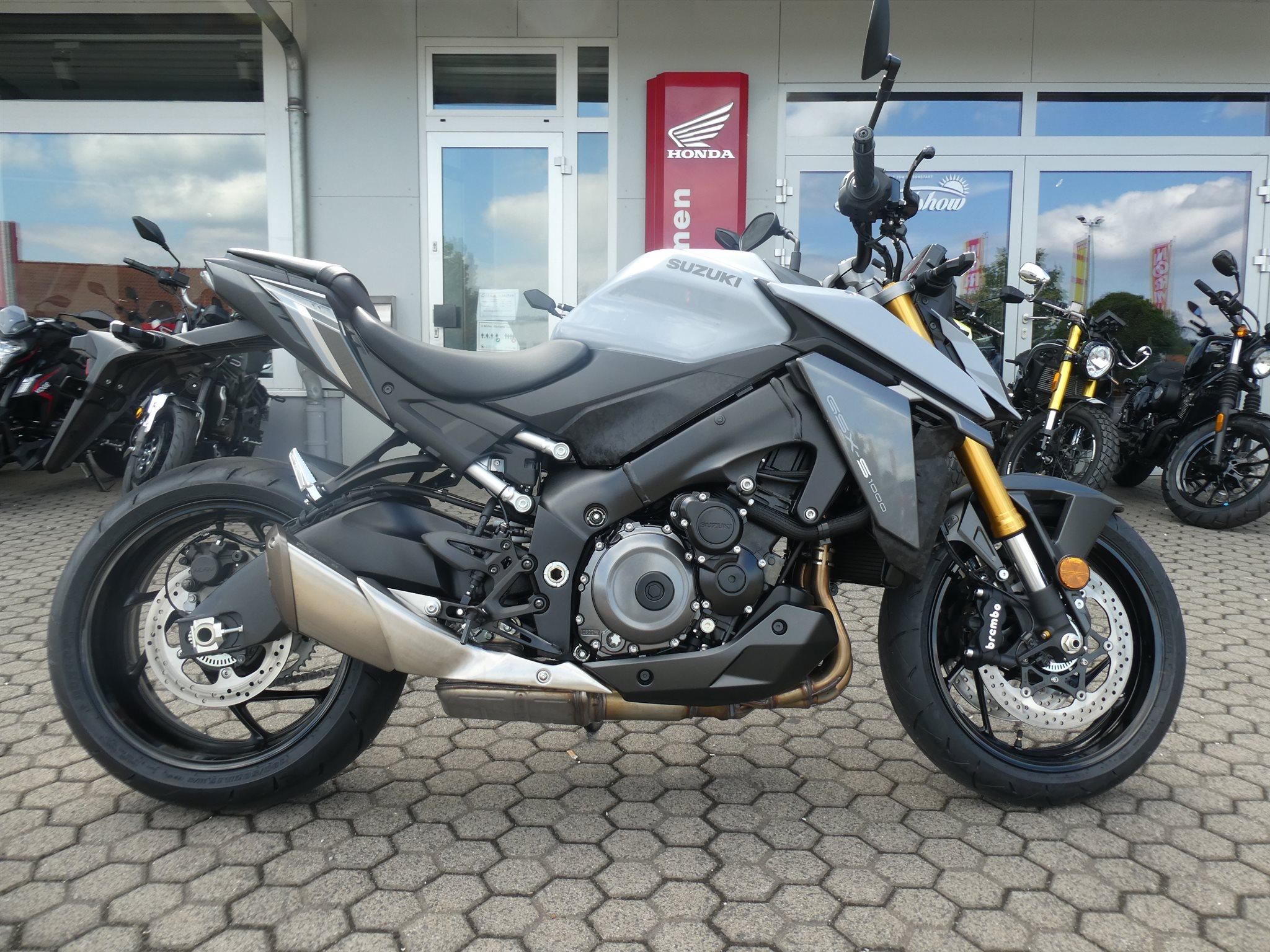 Verleihmotorrad Honda CB 1000 R vom Händler Motorradcenter