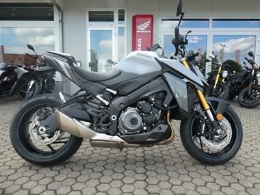 /rental-motorcycle-suzuki-gsx-s-1000-street-performance-17237