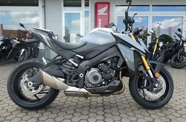 /rental-motorcycle-suzuki-gsx-s-1000-street-performance-17237