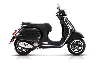 /rental-motorcycle-vespa-gts-300-hpe-super-18613