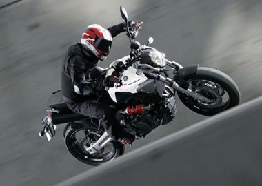 Leihmotorrad Yamaha MT-07