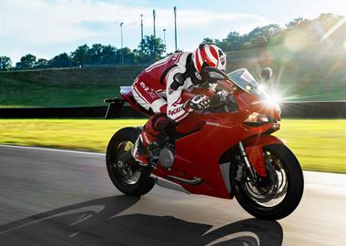 Leihmotorrad Ducati 899 Panigale