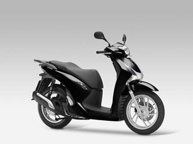 /rental-motorcycle-honda-sh125i-8885