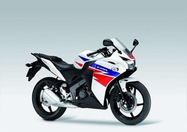 Leihmotorrad Honda CBR 125 R