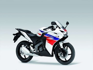 /rental-motorcycle-honda-cbr-125-r-8887