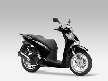 /rental-motorcycle-honda-sh125i-9018