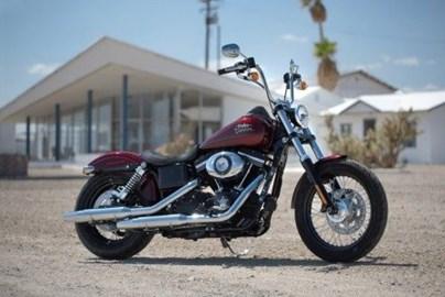 Leihmotorrad Harley-Davidson Dyna Street Bob FXDB