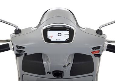 Leihmotorrad Vespa GTS 300 hpe Super Sport