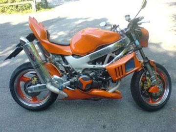 Honda VTR 1000 F Fire Storm Custom Bike