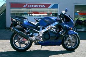 Honda CBR 900 RR Fireblade Umbau anzeigen