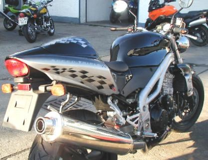 Triumph Speed Triple 955i Umbau