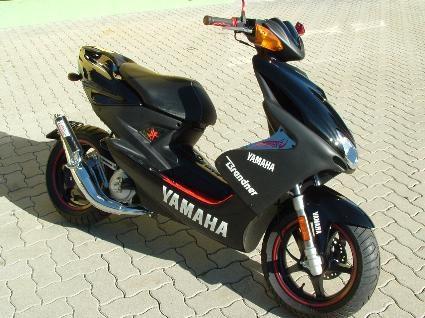 umgebautes motorrad yamaha aerox r von motorrad brandner. Black Bedroom Furniture Sets. Home Design Ideas