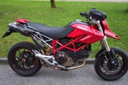 Ducati Hypermotard 1100 S