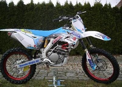 Suzuki RM-Z250 Ein wenig umgebaut