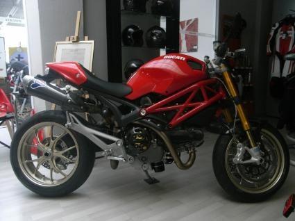 Ducati Monster 1100 S
