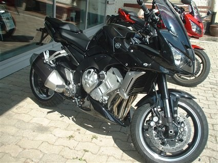 Umgebautes Motorrad Yamaha FZ1 Fazer von mother_in_law - 1000PS.at