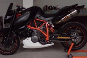 KTM 990 Super Duke R Umbau anzeigen