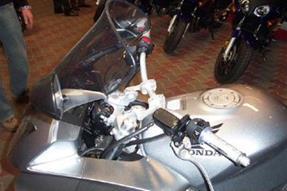 Honda VFR 800 F Umbau anzeigen