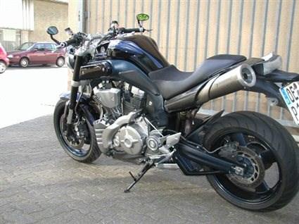 umgebautes motorrad yamaha mt  von zweirad center