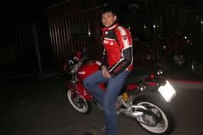Ducati Monster S2R 800 Umbau anzeigen