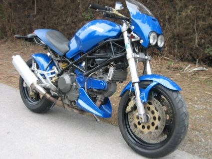 Ducati Monster 900 i.e. Dark Umbau