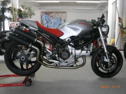 umgebautes motorrad ducati monster s2r 1000 von w west. Black Bedroom Furniture Sets. Home Design Ideas