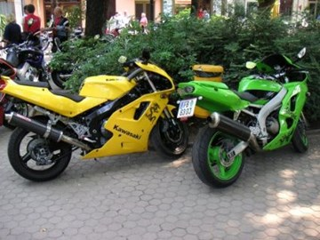 Kawasaki ZXR 750 R Custom Bike
