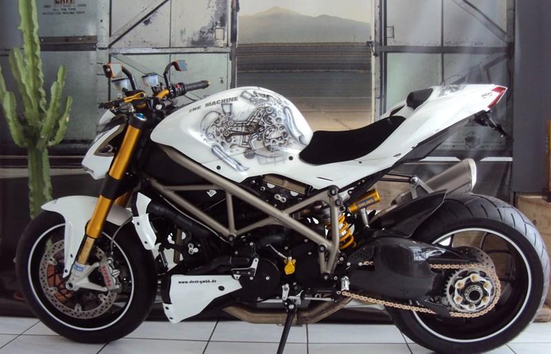 umgebautes motorrad ducati streetfighter s von. Black Bedroom Furniture Sets. Home Design Ideas