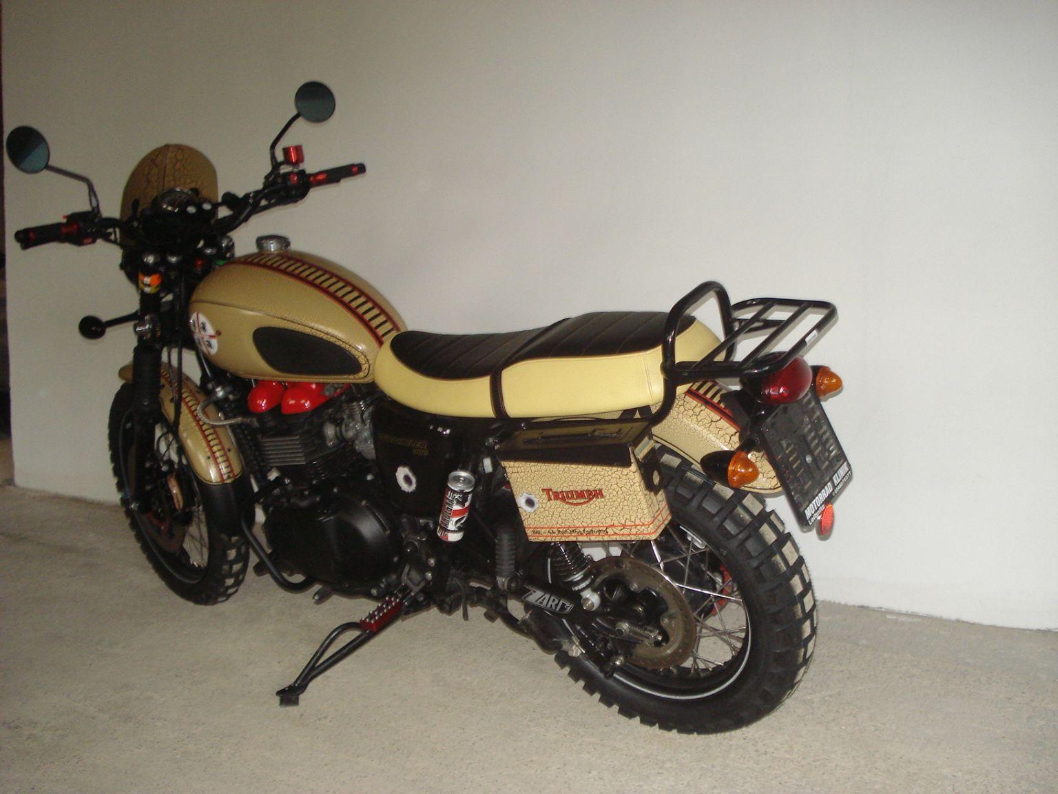umgebautes motorrad triumph scrambler von christoph gruber. Black Bedroom Furniture Sets. Home Design Ideas