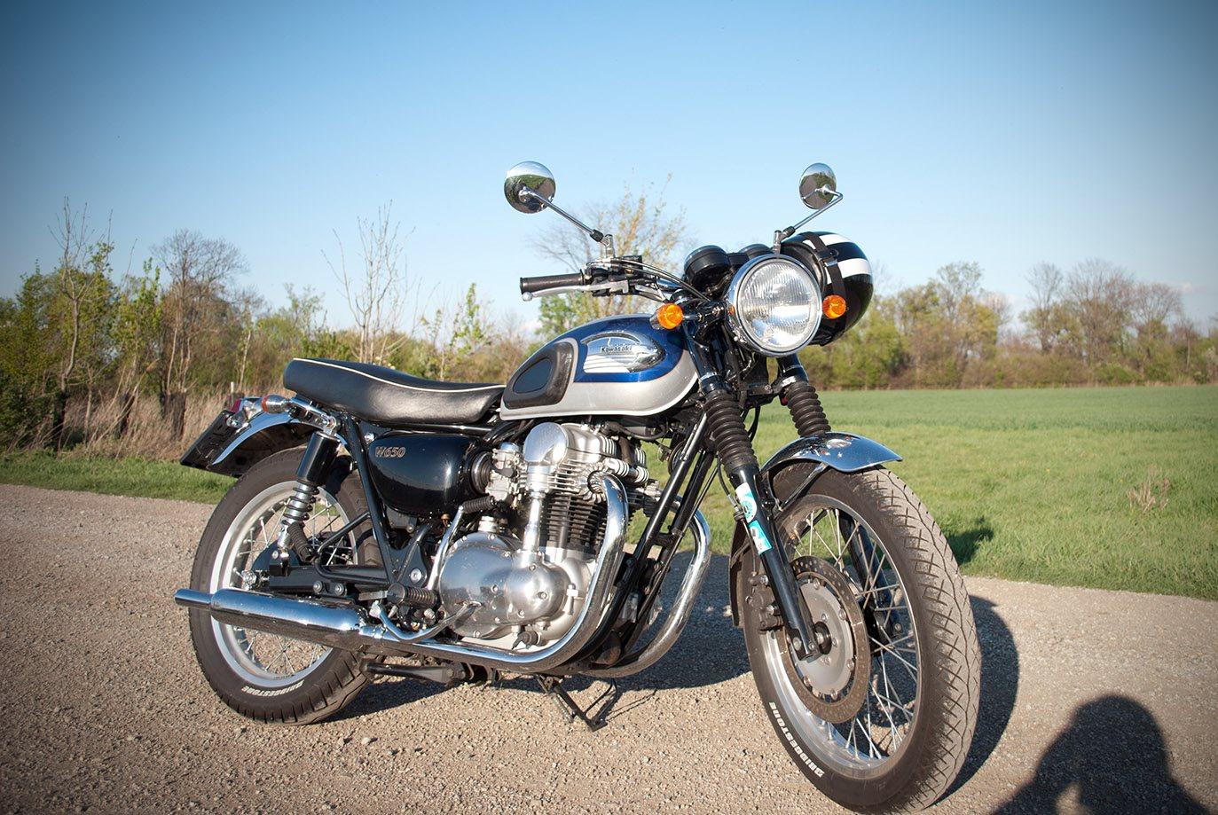 Umgebautes Motorrad Kawasaki W 650 Von Modderfreak 1000psat