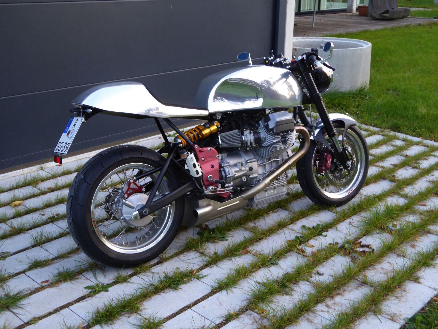 umgebautes motorrad moto guzzi v11 sport naked von der inschinoer. Black Bedroom Furniture Sets. Home Design Ideas