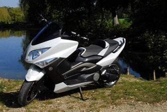 Yamaha T-MAX White