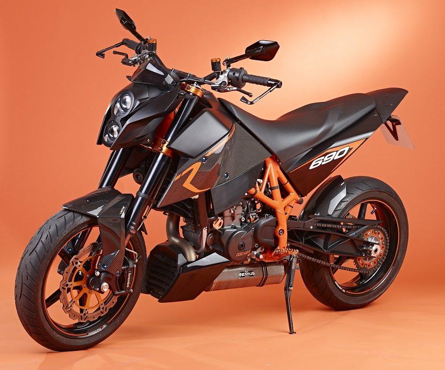 Umgebautes Motorrad KTM 690 Duke R Von Motorcycle Service
