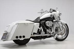 Harley-Davidson Road King Classic FLHRC Umbau anzeigen