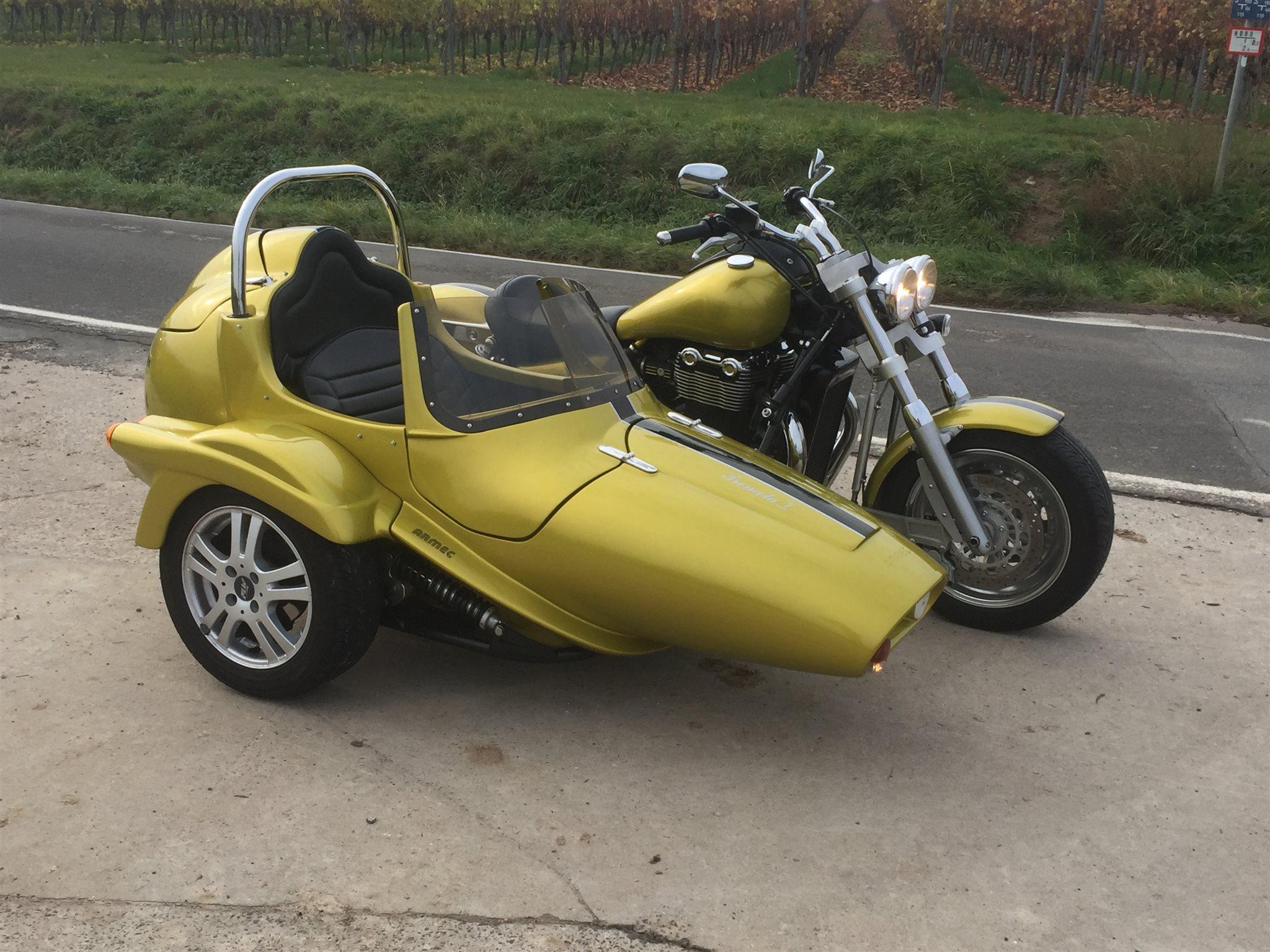 Details On The Custom Bike Triumph Thunderbird Of Dealer Triumph