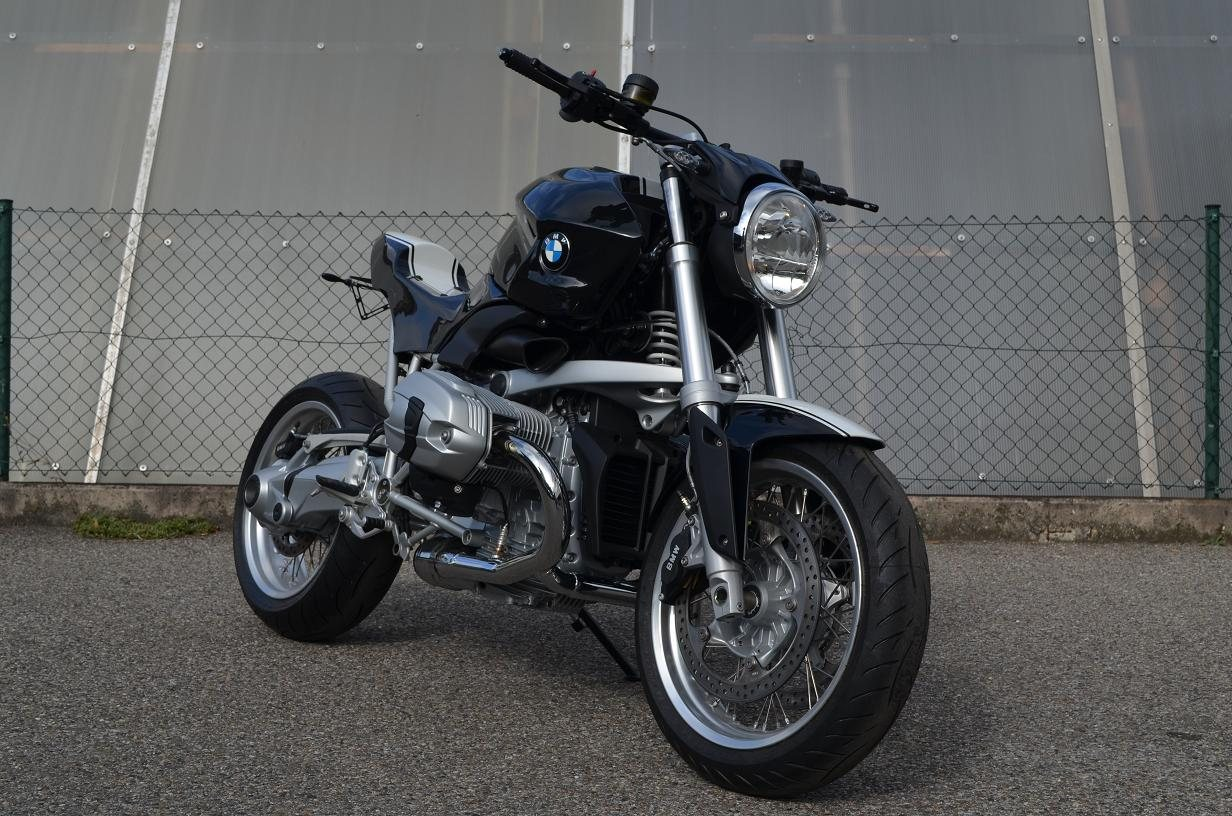 umgebautes motorrad bmw r 1200 r von bmw motorradcenter. Black Bedroom Furniture Sets. Home Design Ideas