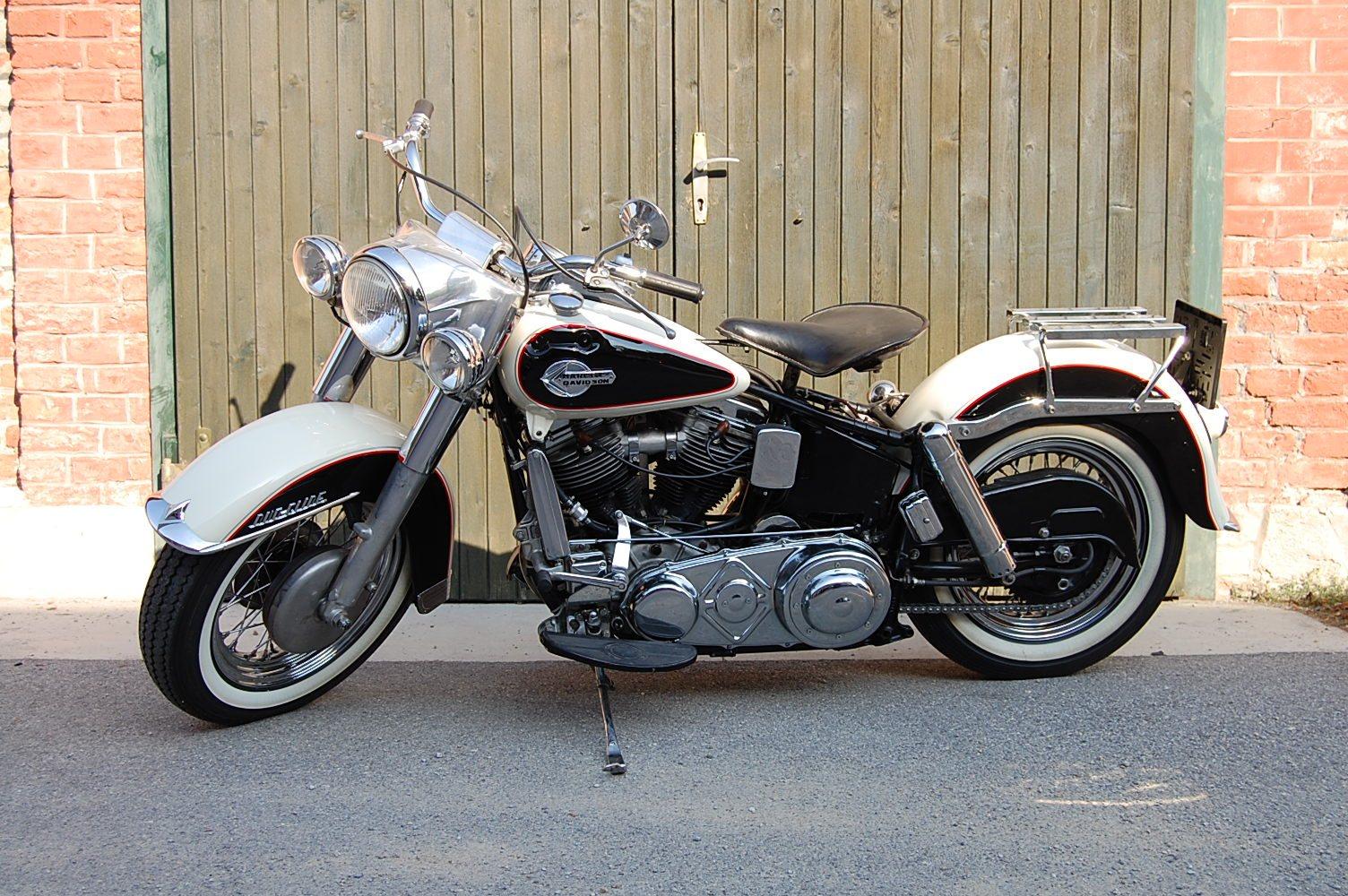 Umgebautes Motorrad Harley