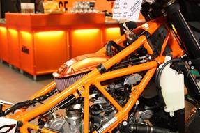 KTM 990 Supermoto R Umbau anzeigen