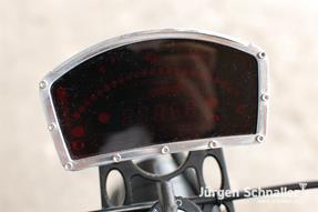 Triumph Speed Triple 955i Umbau anzeigen