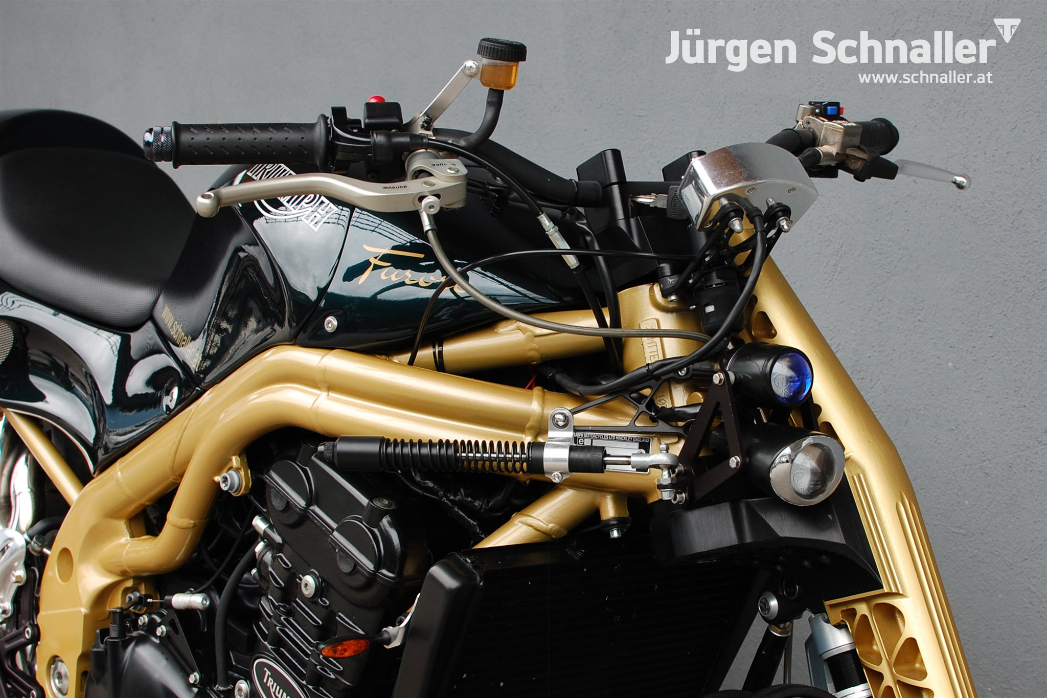 umgebautes motorrad triumph speed triple 955i von j rgen. Black Bedroom Furniture Sets. Home Design Ideas