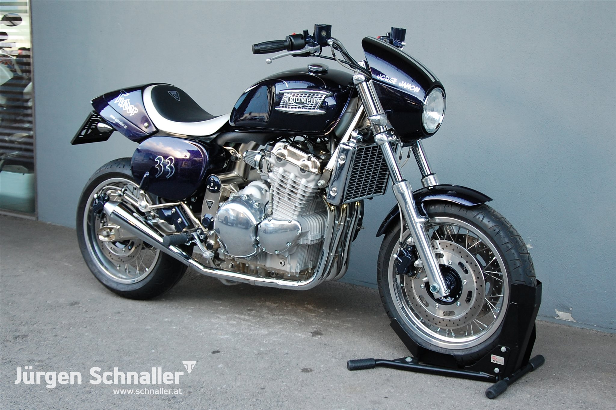 Umgebautes Motorrad Triumph Thunderbird Sport Von Jürgen Schnaller