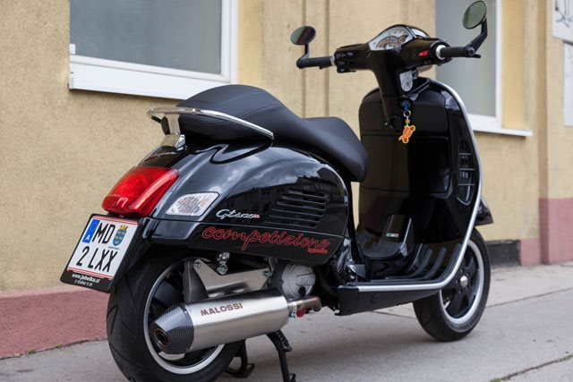 umgebautes motorrad vespa gts 125 ie super von jahelka. Black Bedroom Furniture Sets. Home Design Ideas