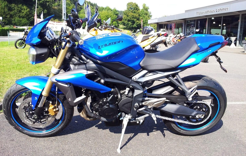 Details zum Custom-Bike Triumph Street Triple 675 R des