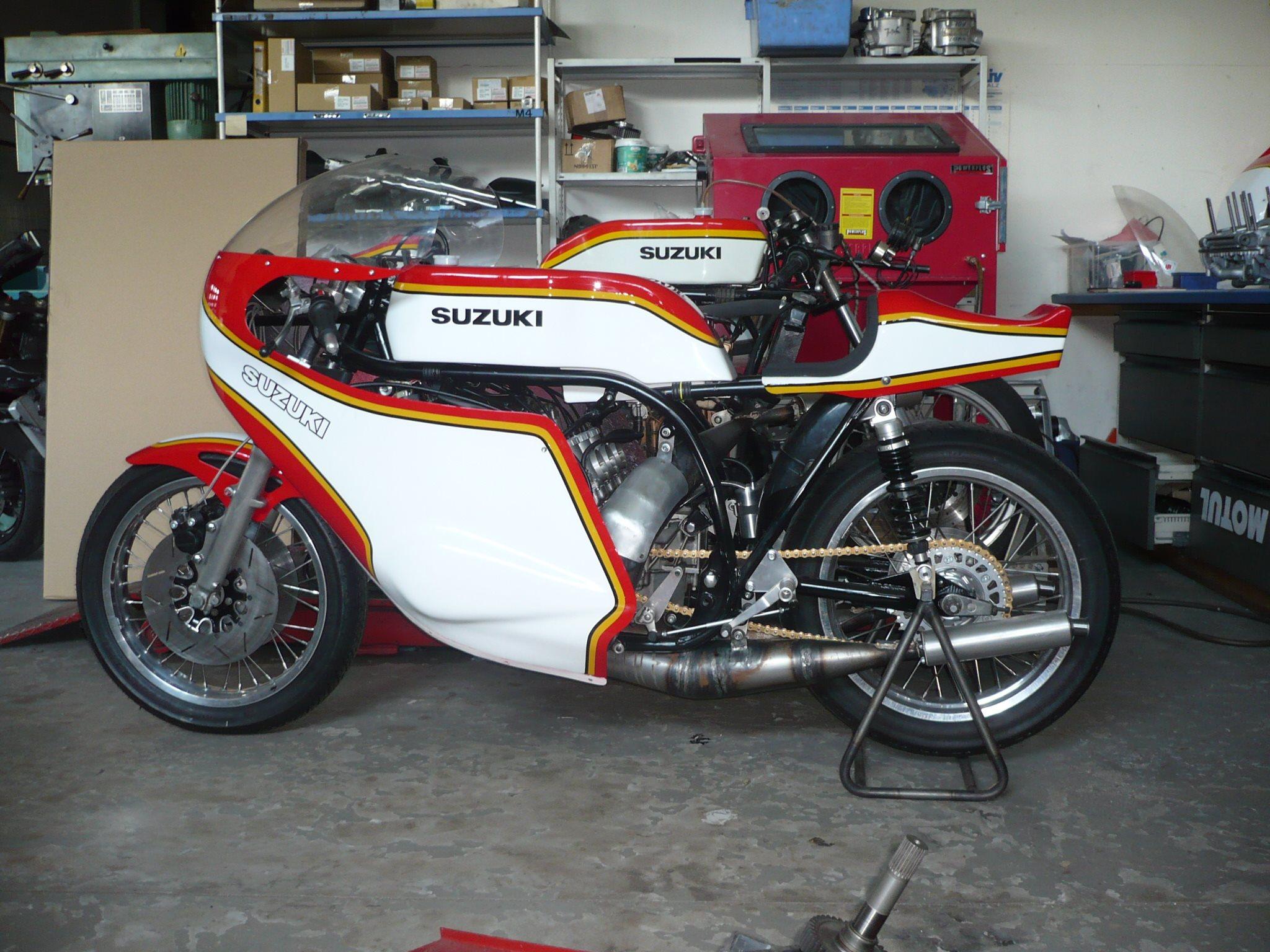 umgebautes motorrad suzuki gt 750 von reimo reinhard motorrad gmbh. Black Bedroom Furniture Sets. Home Design Ideas