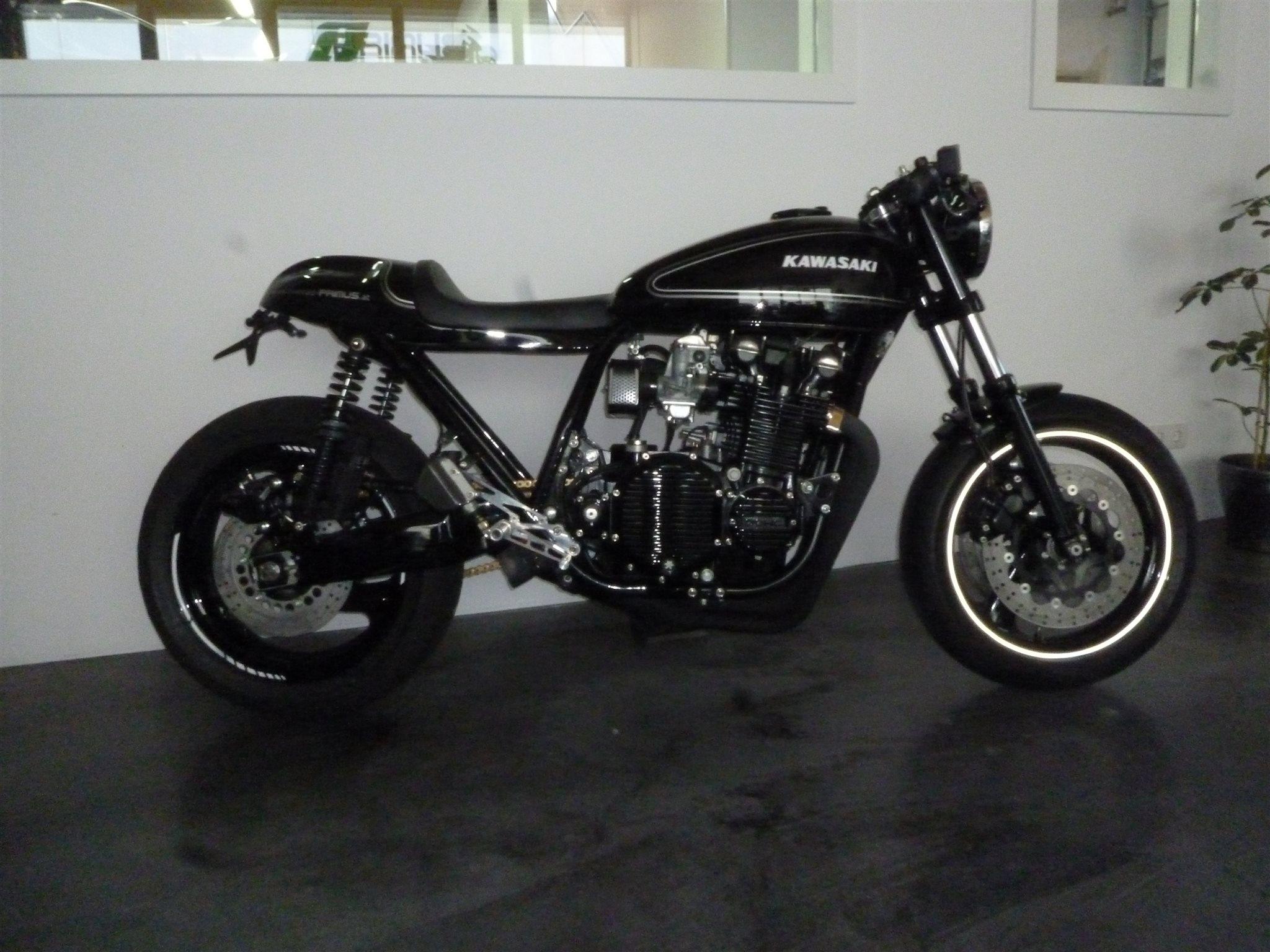umgebautes motorrad kawasaki z900 von zweiradtechnik. Black Bedroom Furniture Sets. Home Design Ideas