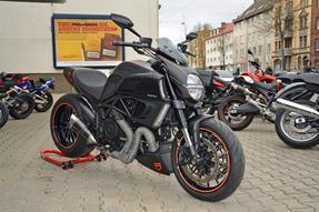 Ducati Diavel 1200 Umbau anzeigen